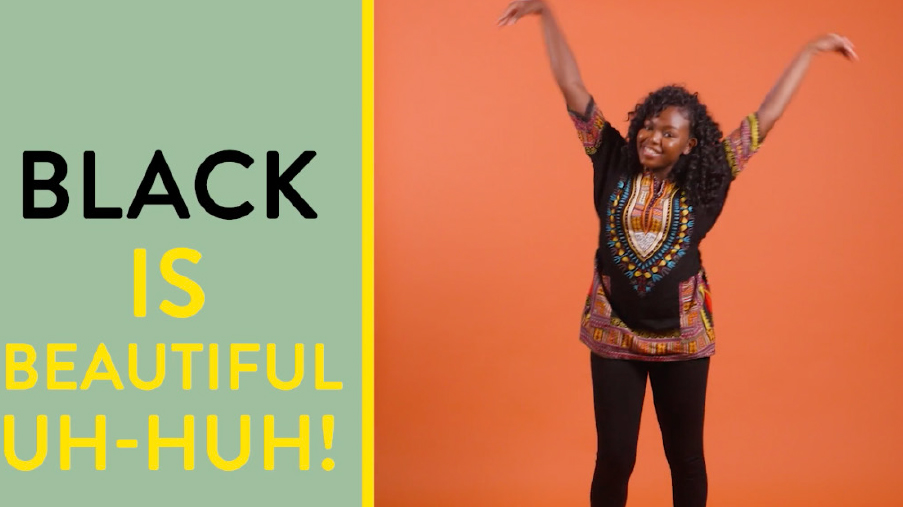 Beautiful Blackbird Show Claws Slide Dance